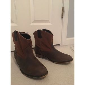 NWT Santa Fe Boot Co. Cowgirl Booties